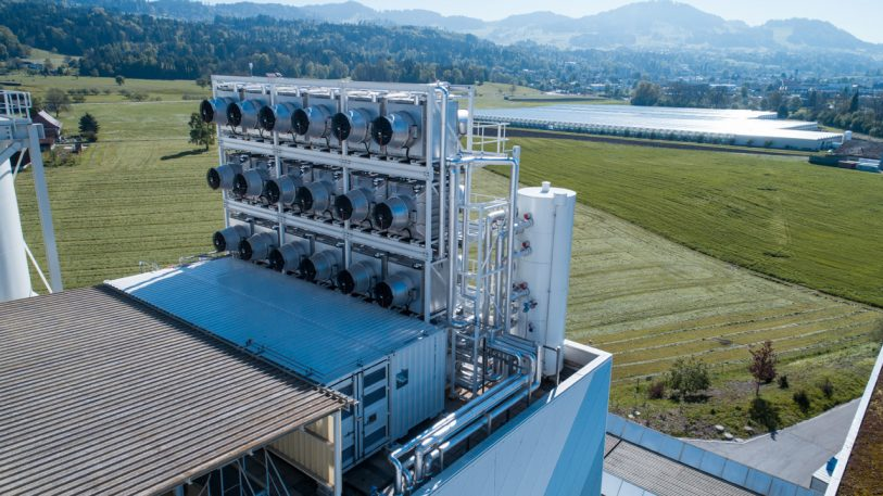 This Machine Just Started Sucking CO2 Out Of The Air To Save Us From Climate Change